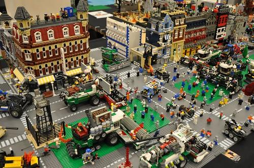 LEGO Zombie Apocafest 2009 combines
