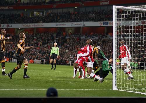 William Gallas heads Arsenal into a 2-1 lead over Hull City in the FA Cup