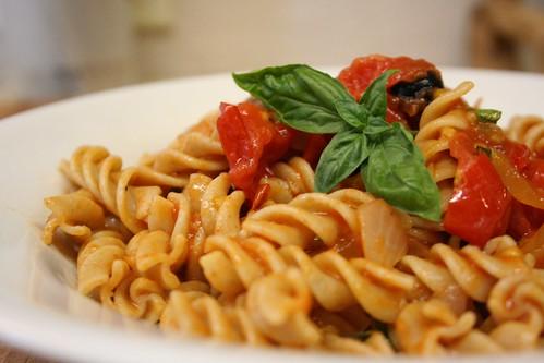 Simple Fresh Tomato Pasta