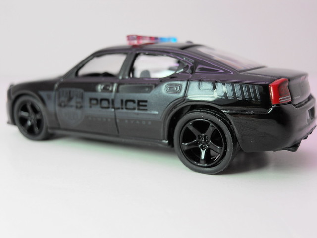greenlight 2006 Dodge Charger black Bandit  (2)
