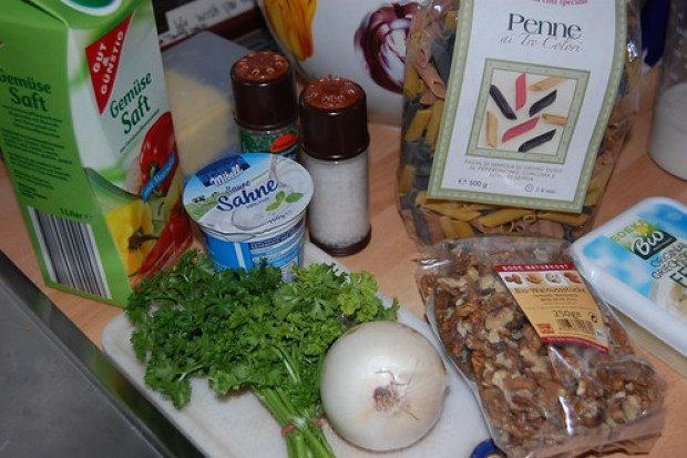 Penne with walnuts