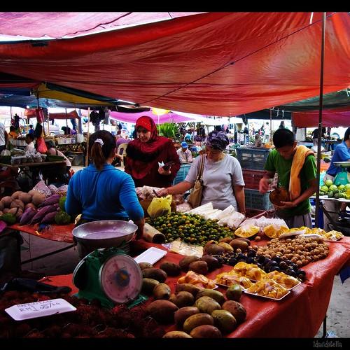 fruits stall at tamu putatan