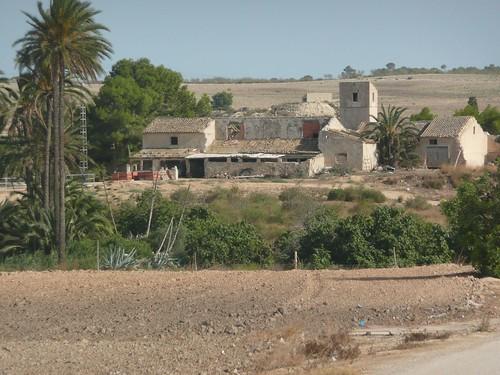 Del Hostal a San Miguel por un camino rural