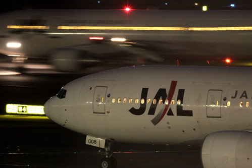 JAL B777-200(JA008D)