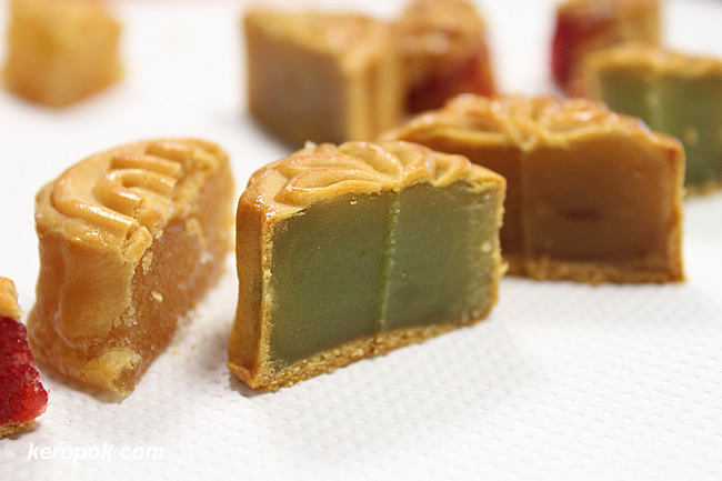 Colourful mooncakes