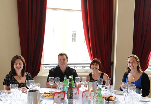 Sicilian wine tasting at Carluccios with Qype. Photo from tikichris