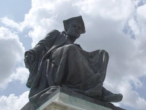 Tượng Francois Rabelais tại Chinon