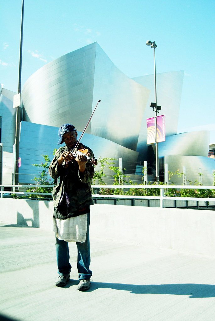 "Nathaniel Ayers ""The Soloist"" Homeless Violinist playing outside of the Walt Disney Concert Hall"