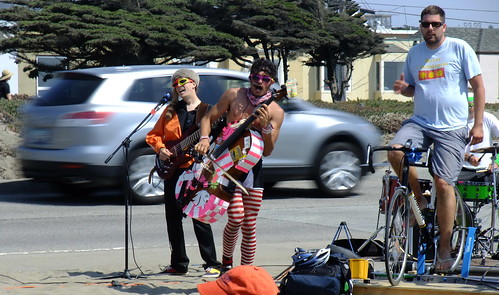 Sunday Streets in The Outer Sunset. August 9th, 2009. FREE. 13