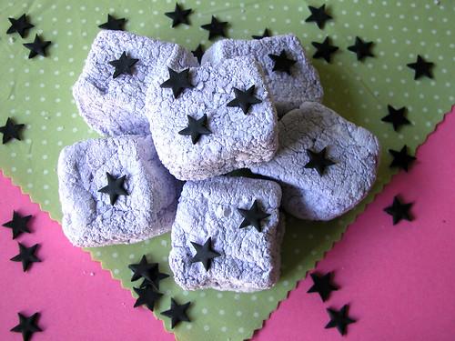 Halloweeen marshmallows with black stars