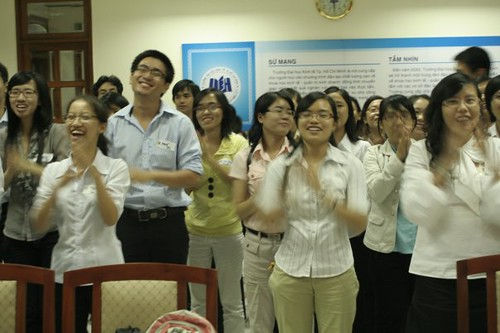 This is how enthusiastic Vietnamese students can get