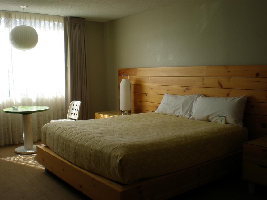 hotel-tomo-room