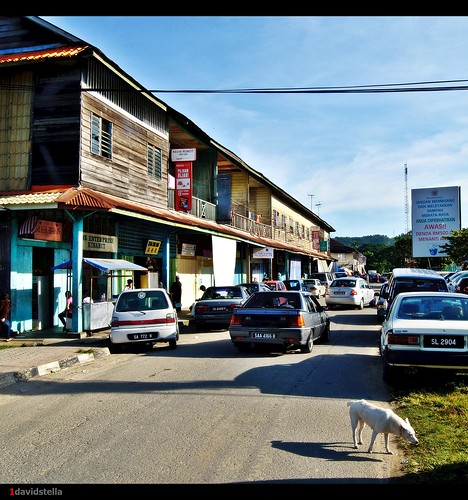 old wooden shophouses at kinarut town