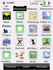 SHR desktop with Gry theme