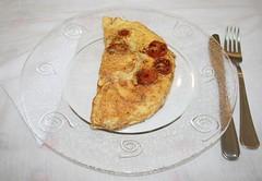 Receita 1 - Omelete com tomate e manjericão