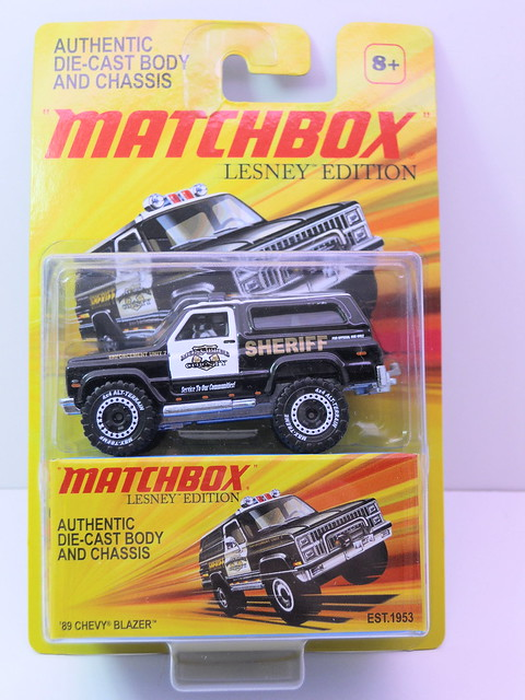 matchbox '89 chevy blazer sheriff lesney box   (1)