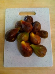 Fresh figs from the garden ... Yum!