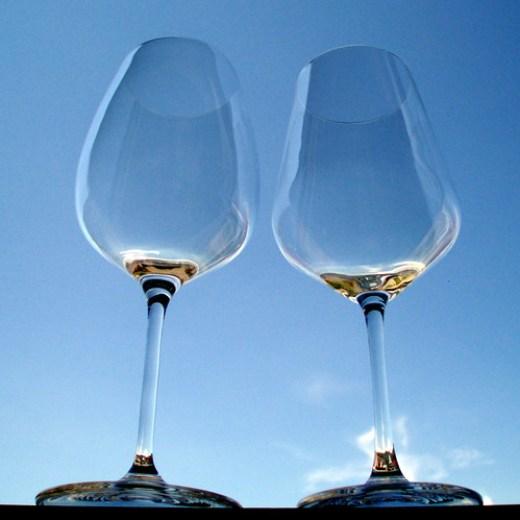 Sensis plus Rotweinglas 500/2 von Eisch (links) und Rotweinglas Harmony 35 von Rastal (rechts).