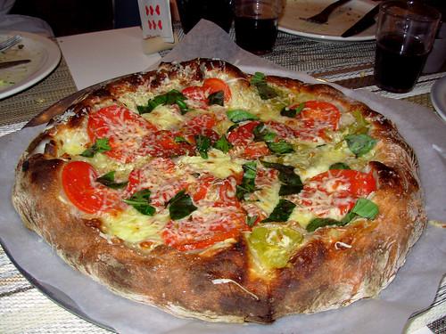 Heirloom tomato, fresh mozzarella, garlic, Mona, basil pizza