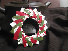 Origami Pendant/ Ornament - Holly Jolly