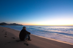 Waiting for the Sunrise... - Aguardando o sol nascer... por Guilherme Kardel