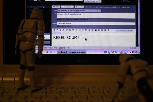 Mandando emails anónimos a Luke