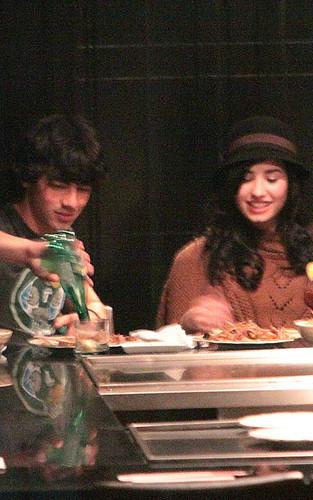Joe Jonas, Demi Lavato por dtodoblog.