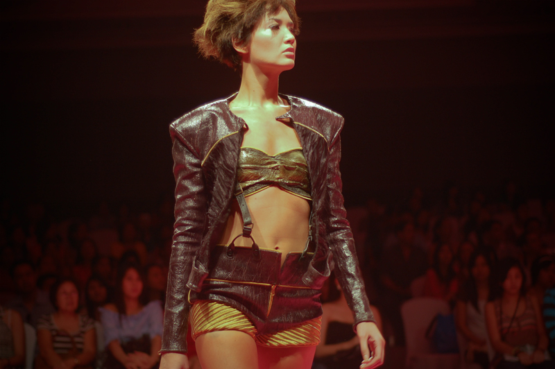 Ornusa Cadness in Jerome Salaya Ang Philippine Fashion Week Spring Summer 2010