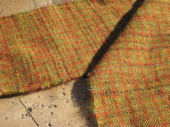 Scarf_2009_11_07_Woven_Autumn_leaves_02