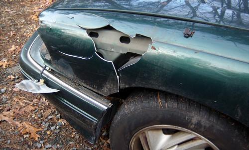 20091206 - hit a deer - front left - GEDC0912