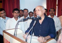 Sri mahesh Bhatt Bhasan dete hue