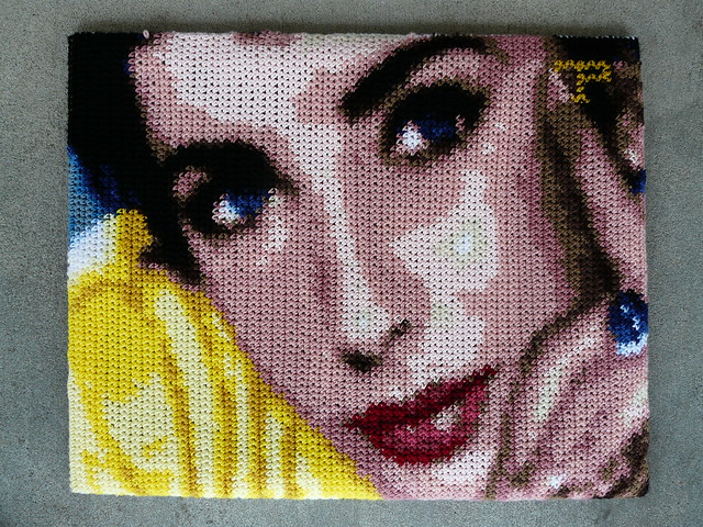 Todd Paschall's Elizabeth Taylor in crochet