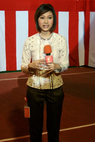 Reporter from TV Thai channel (by Chengings)