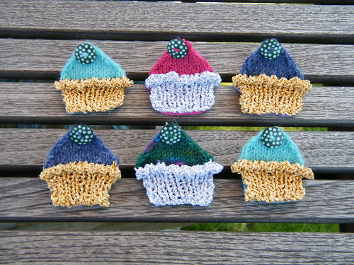 Cupcake Brooches