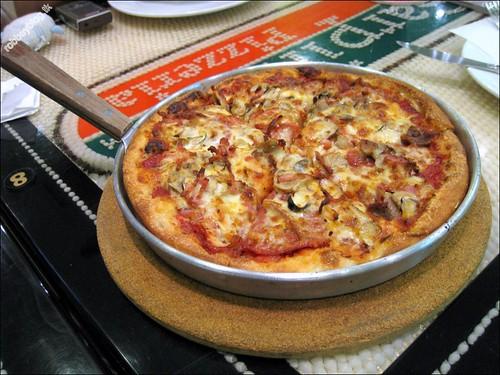 RobbeyPizza0032