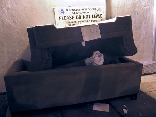 Love Seat/Sofa Free/Trash Heap