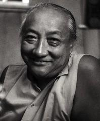 དིལ་མགོ་མཁྱེན་བརྩེ་ His Holiness Dilgo Khyents...