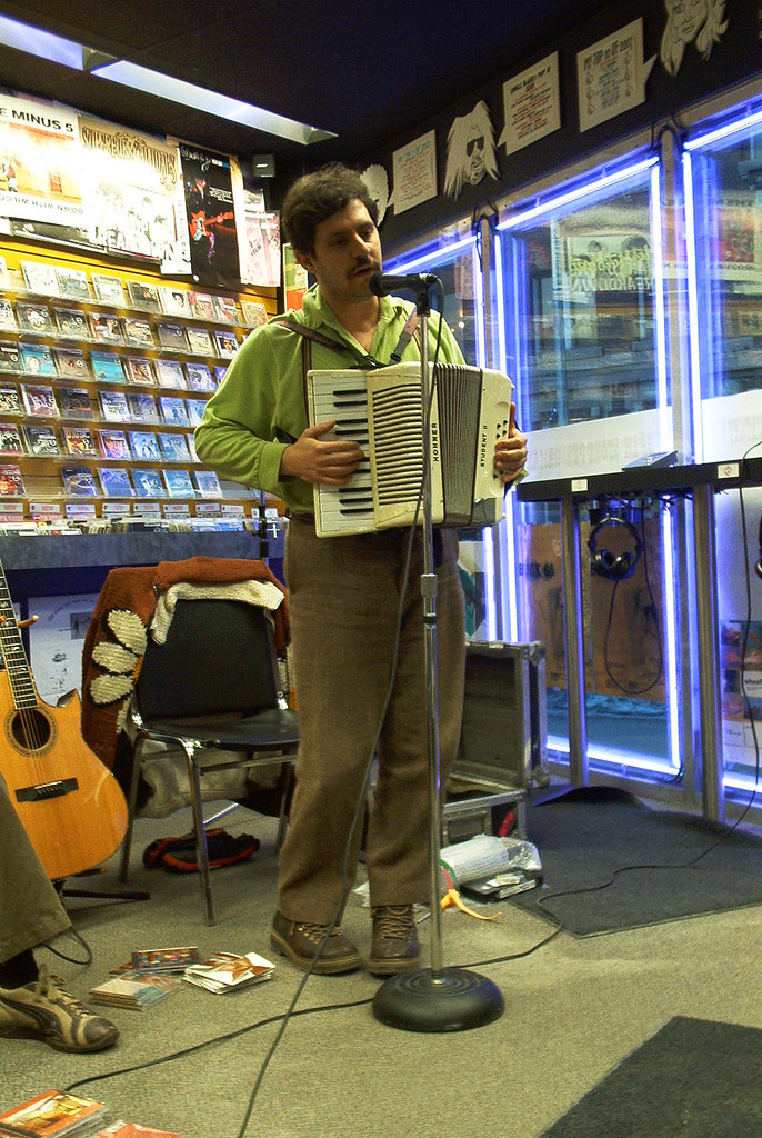 Bob Wiseman live! in-store performance at Music Trader on March 13 2004