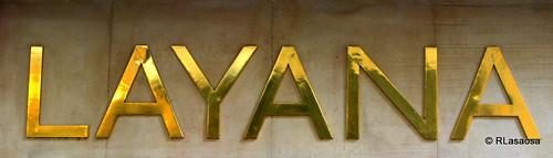 Letrero de la tienda de pastas Layana