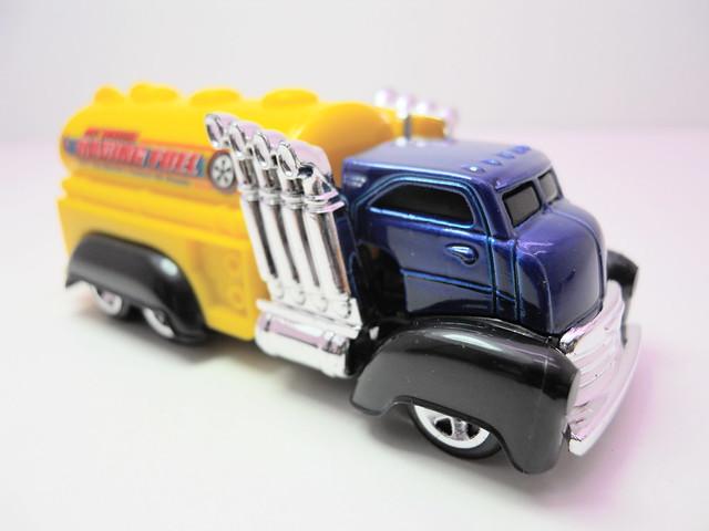 hot wheels fast gassin' (2)