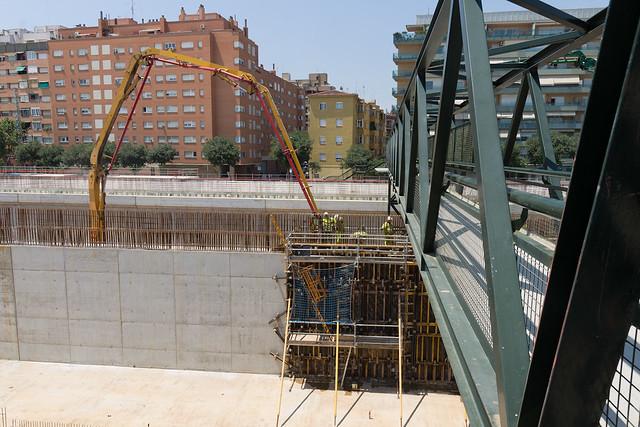 Triangle Ferroviari - Hormigonando junto a pasarela de peatones - 16-06-11