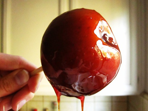 red wine caramel apple