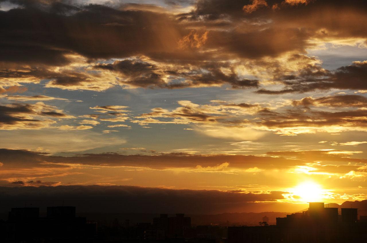 斑斕的日落