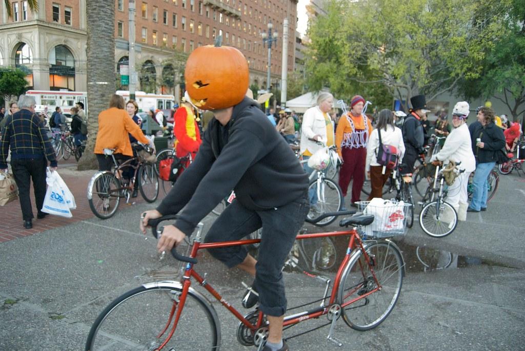 Halloween Critical Mass in San Francisco 2009