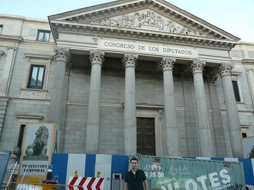 Madrid.+Carrera+de+San+Jer%C3%B3nimo+street.+Lion+sculpture.+Congress+building.+Spain