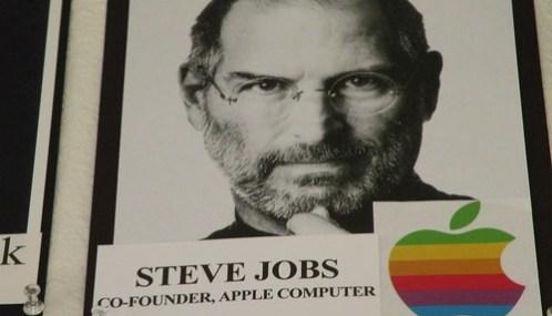 01d8a8d65c8 La biografía de Steve Jobs saldrá a la venta un mes antes de lo ...