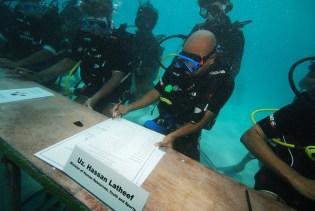 Maldives Underwater Cabinet Meeting