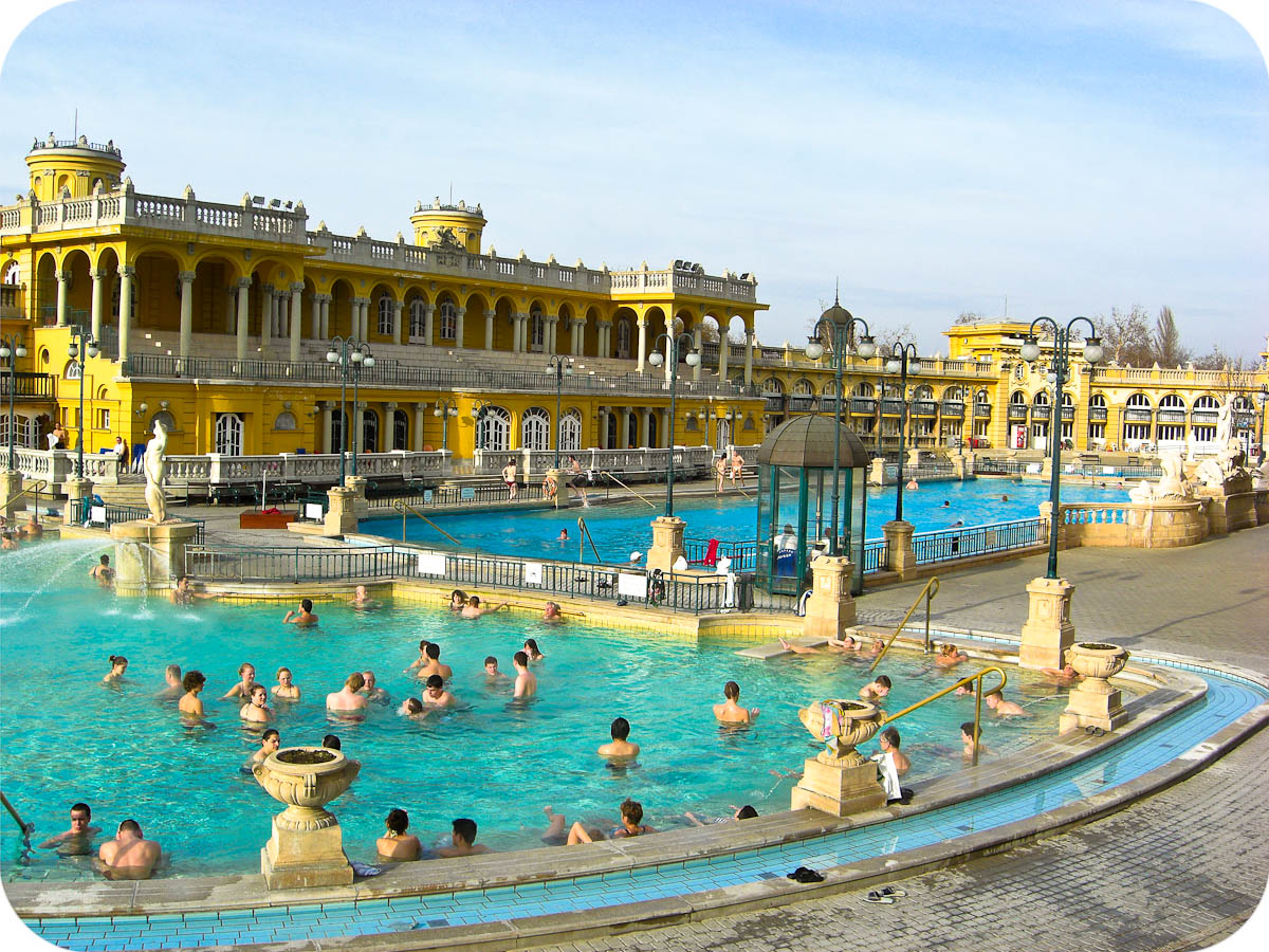 Széchenyi Baths, outdoor thermal pool