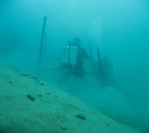 Underwater scaffolding