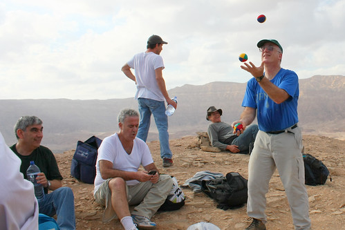 Juggling on the plateau